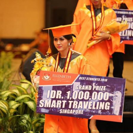 Wisuda ke – 7 Elizabeth International