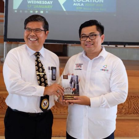 Direktur Elizabeth International Memberikan Kuliah Terkait Tema Disruption in Hospitality Industry