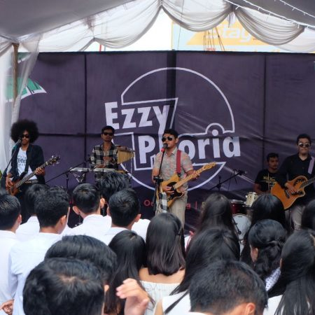 Mahasiswa Elizabeth International persembahkan EzzyPhoria 2018: eat, talk and dance