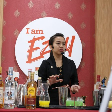 Gelaran Ezzy Mixology Workshop 2018 bersama Arlin salah satu jawara mixology Indonesia
