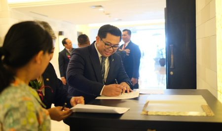 MOU Renewal terkait career development antara Elizabeth International bersama puluhan hotel berbintang