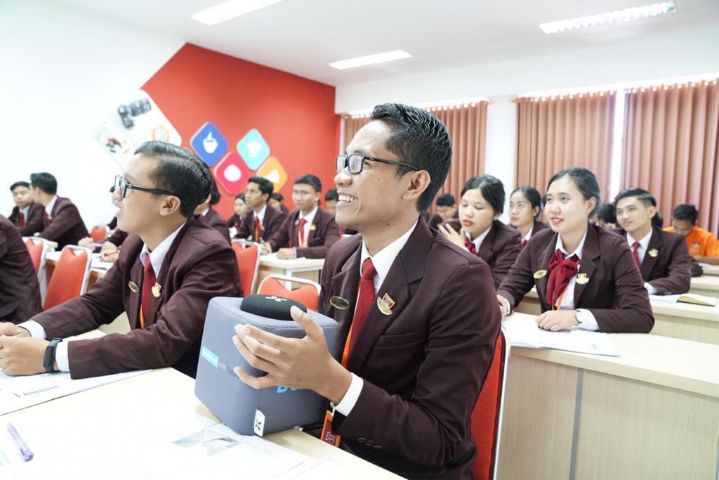 class elizabeth internationsl (1)