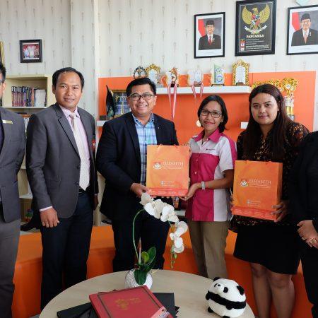 Kunjungan Rotary Bali Denpasar terkait program beasiswa di Elizabeth International tahun 2018