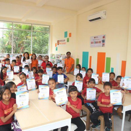 Wisuda Batch 2 Sekolah Matahari dihadiri Puluhan Anak Asuh Sekolah Matahari