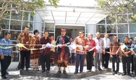 Peresmian Ezzy Smart Resort Campus sebagai Kampus II Program Sarjana Plus STIE BIITM Sahid Bali dan Elizabeth International