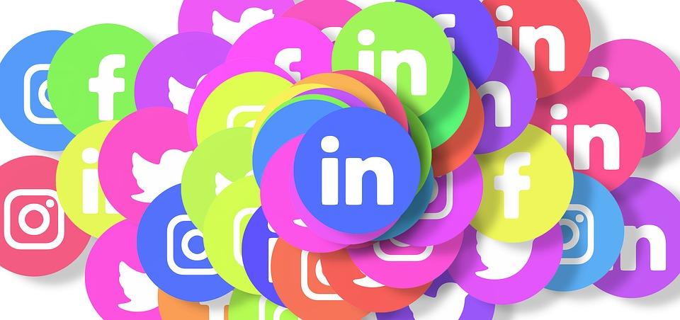 social-media-3129486_960_720