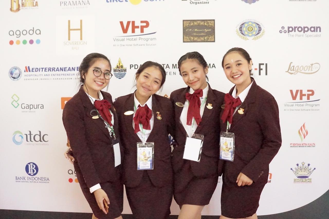 Mahasiswa Elizabeth International sukseskan ITO 2020 (3)
