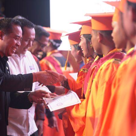 Lulusan Mahasiswa Elizabeth International  Meraih sertifikasi berskala International oleh  AHLEI