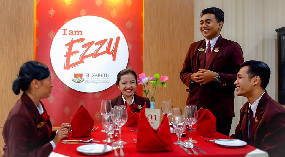Be a Great Waitress for Hotelier (4)