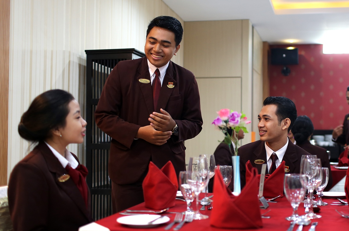 Magic Words – Mantra Sukses Hotelier (1)