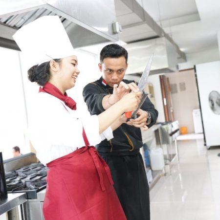 Students Achieve Culinary Perfection under Elizabeth International Hotel Management School