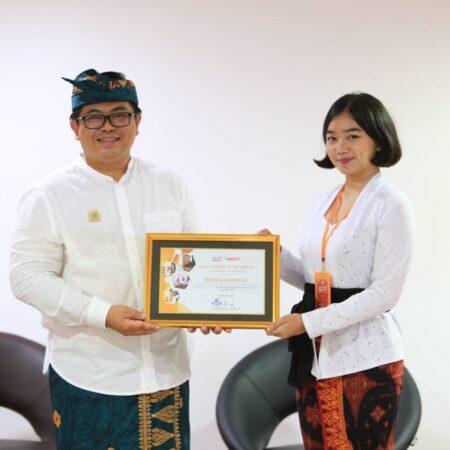 19 Mahasiswa Elizabeth International Raih Star Student of the Month di Bulan September 2020.