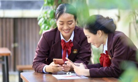 Sambut Bulan Bahasa, Elizabeth International Selenggarakan Kompetisi Daring Bulan Bahasa Ezzy 2020.