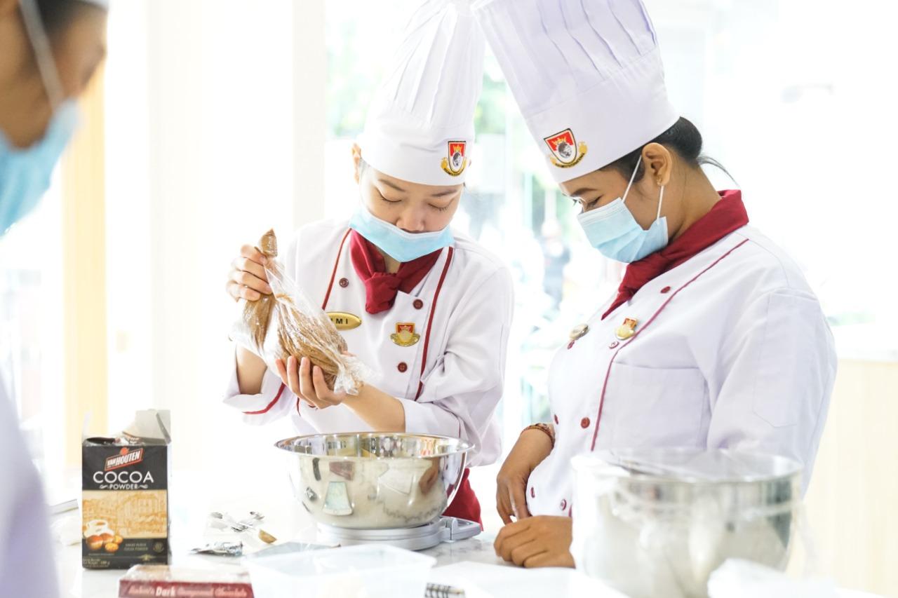 Pilihan Jurusan Terbaru Elizabeth International – Program Profesi 1 Tahun Double Major Food & Beverage Division