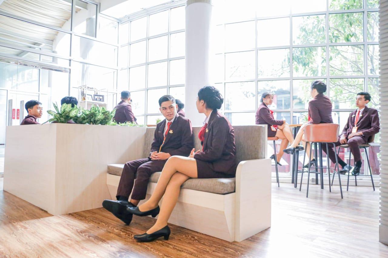 Student Lounge Berstandar Hotel Bintang 5