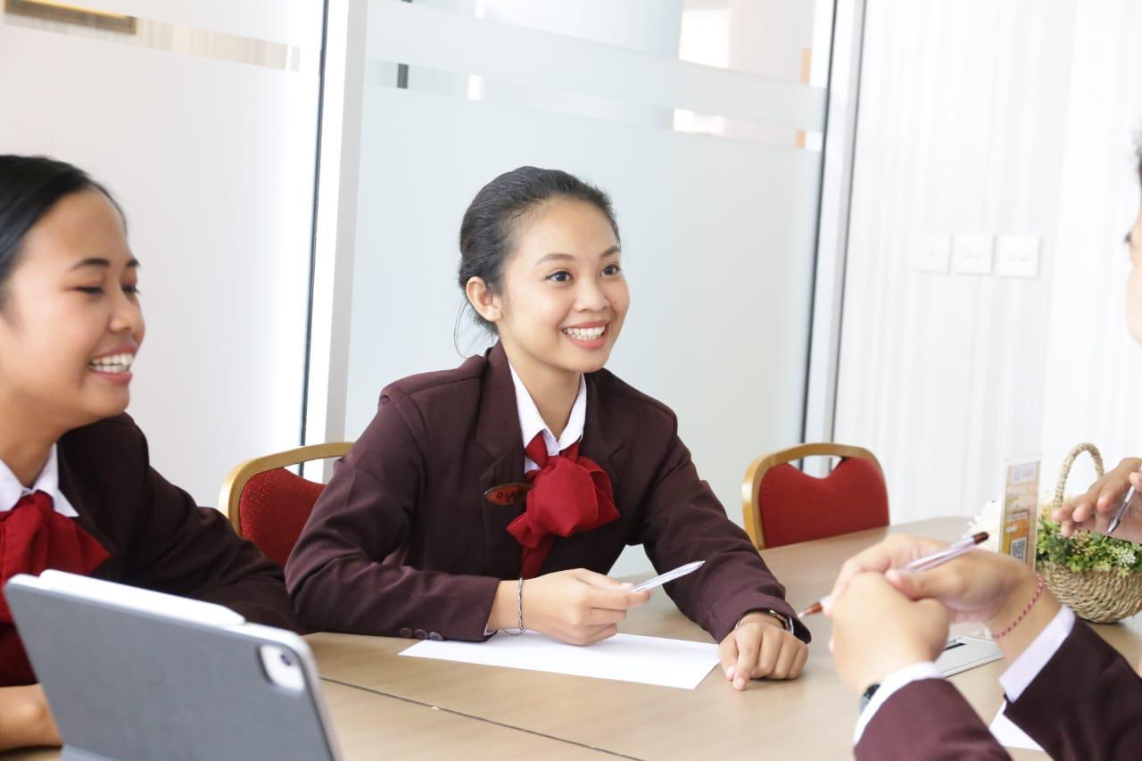 Elizabeth International Luncurkan Ezzy Career Clinic untuk Seluruh Mahasiswa dan Alumni !