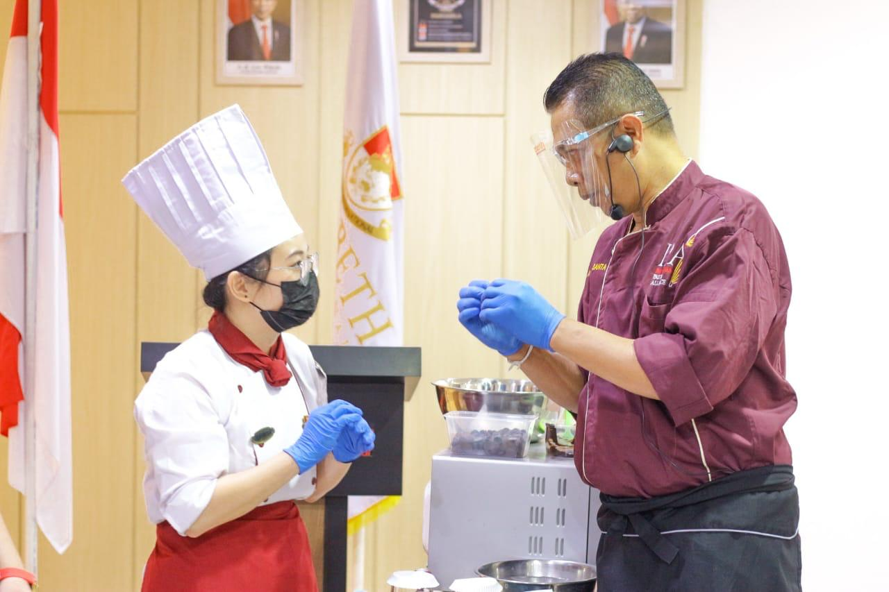 Chocolate Tier Party & Learning Session From The Master Ezzy Culinary Workshop 2021 – Learn From The Master