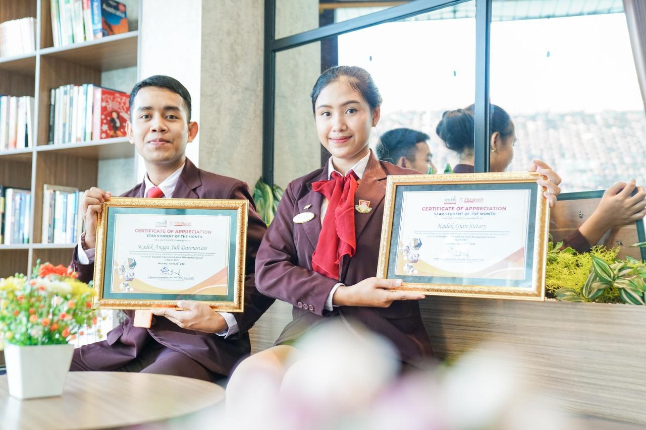 Star Student of The Month – March 2021 Penyematan kepada 10 Mahasiswa-Mahasiswi Terbaik #elizabeth_international