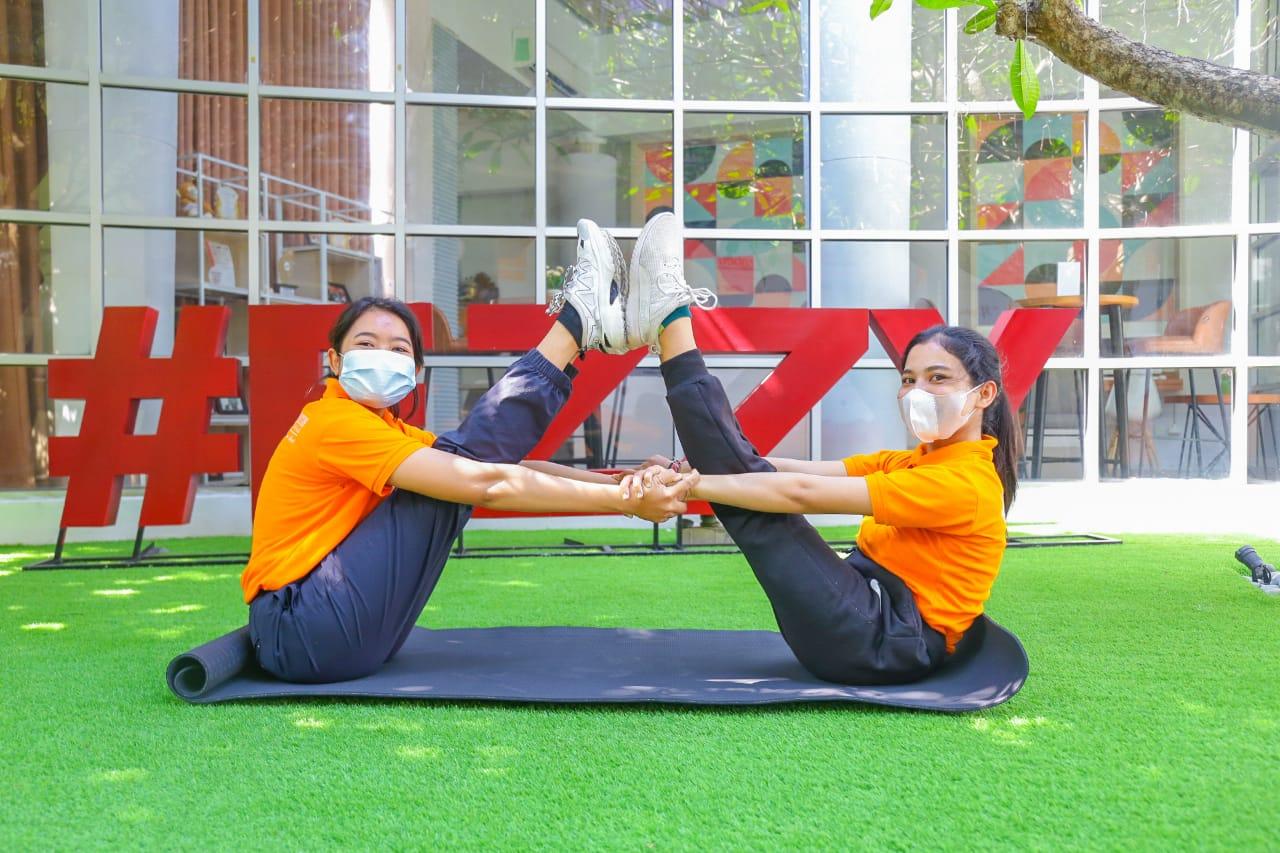 Belajar Sambil Yoga Bareng Master-Master Wellness dalam Serangkaian Peringatan International Wellness Day