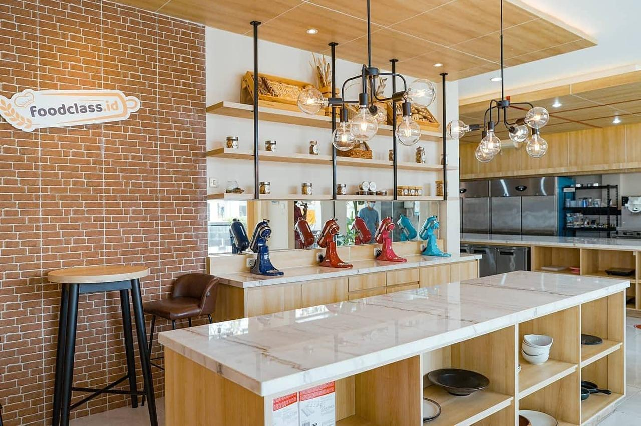 Ezzy's Pastry Studio for future chefs need a place to bake and practice their skills